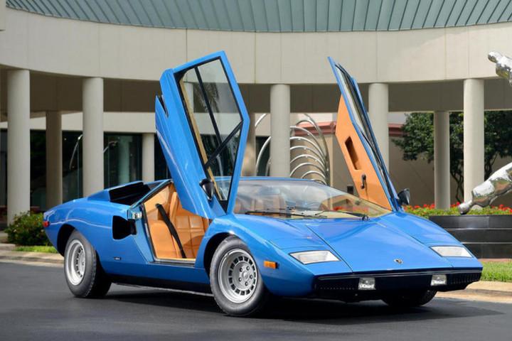 Rare Lamborghini Countach Sells For Record Breaking Price