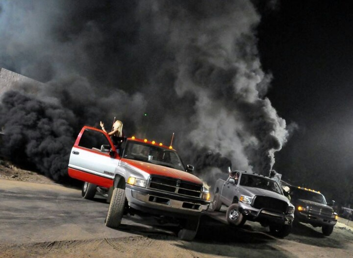 Rolling Coal Drivers Give The Finger To President Obama