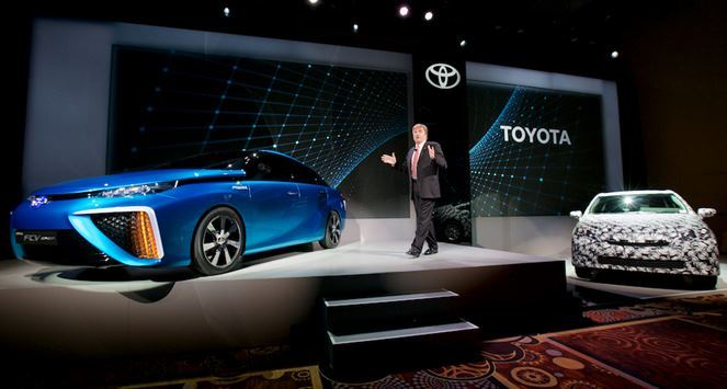 toyota unveils new hydrogen car but can it survive 4wheel online blog automotive news. Black Bedroom Furniture Sets. Home Design Ideas