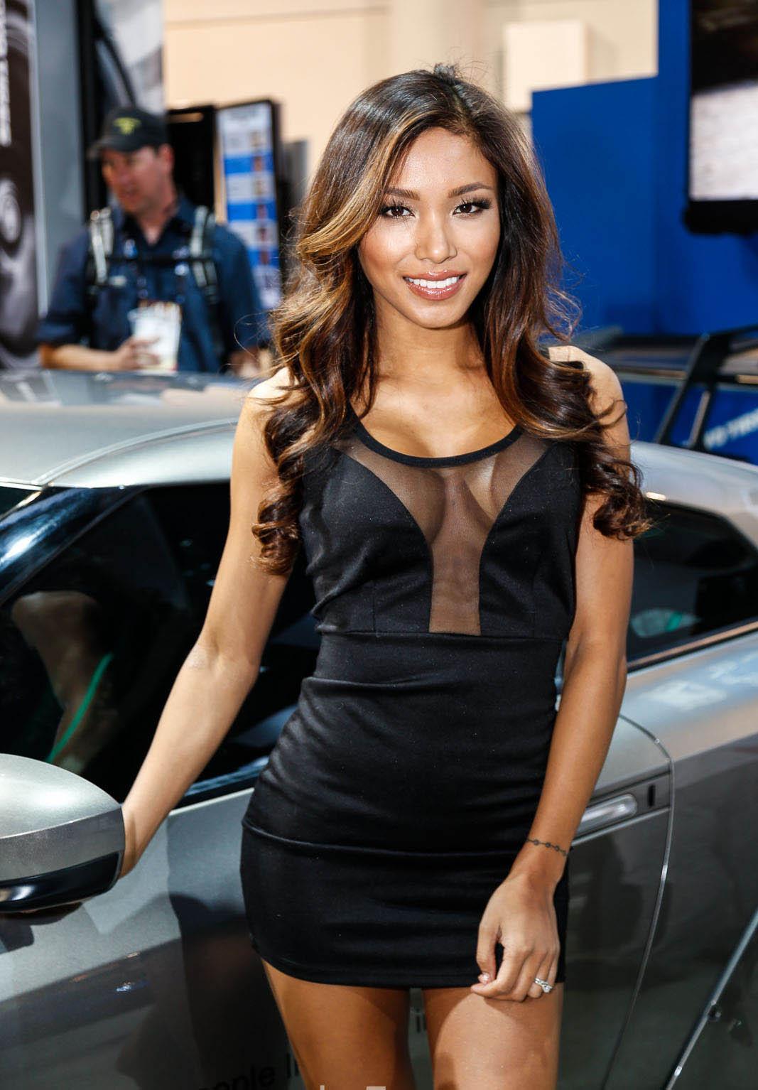 Sema Girls 2014 4wheel Online Blog Automotive News