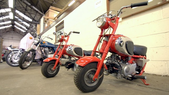 video: lifetime fan opens up world's largest honda motorcycle
