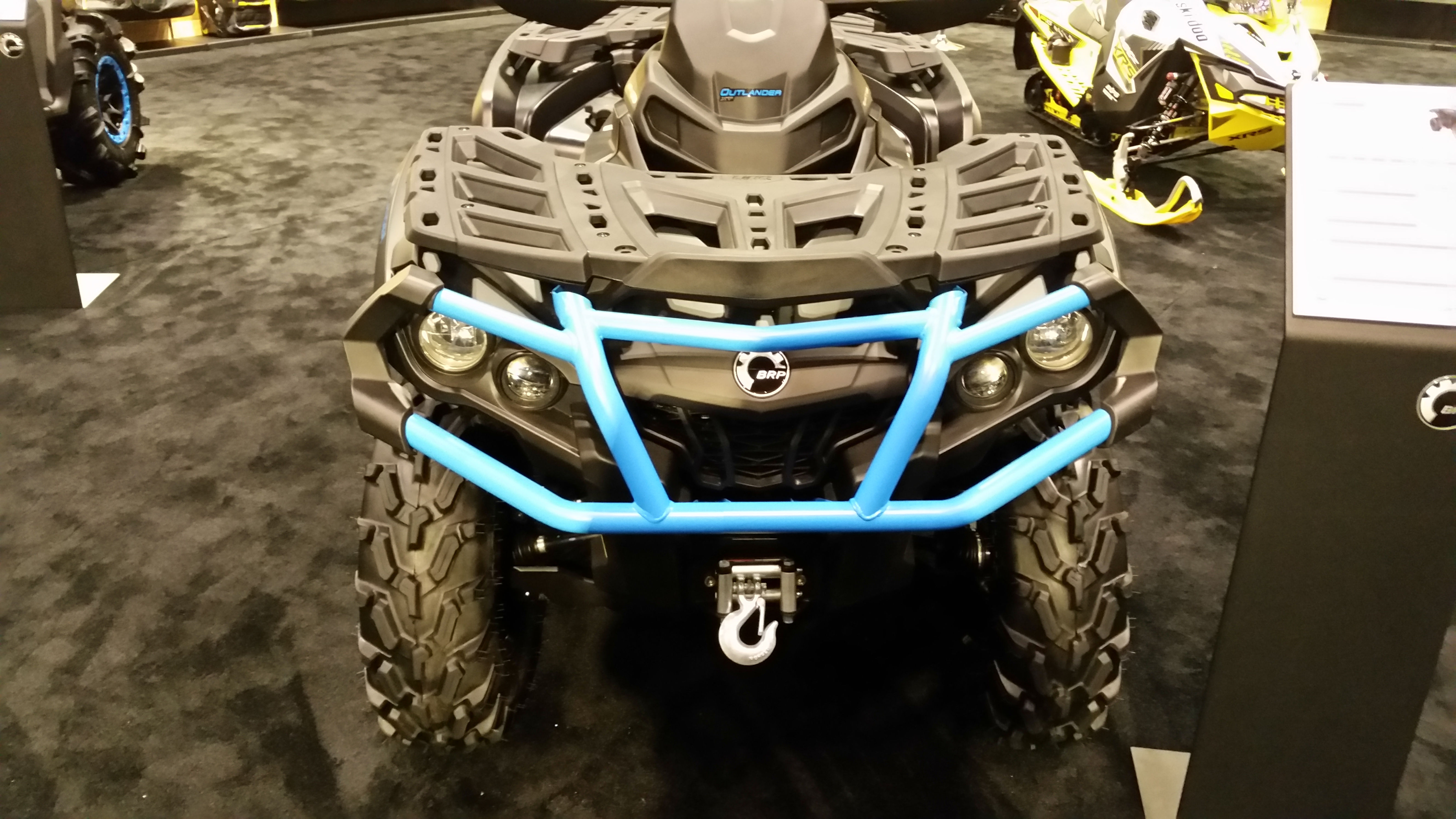 CanAm Outlander Front